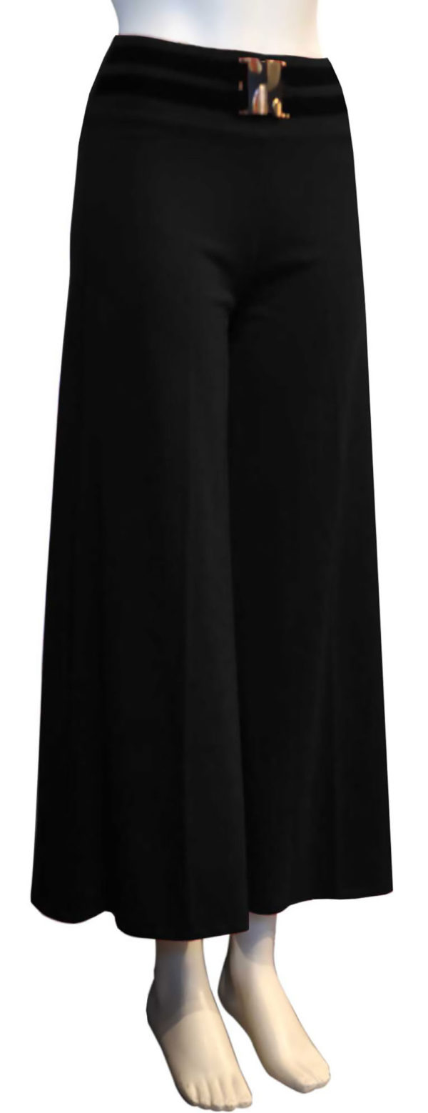 black cropped stretch pants with attached belt- side