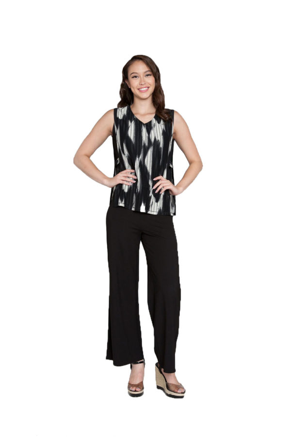 printed sleeveless top- front