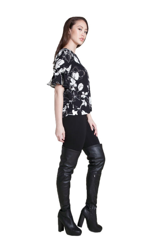 black and white floral ruffle top- side