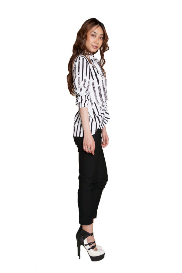 black and white printed blouse- side