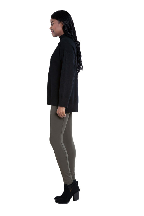 black oversized knit sweater- side