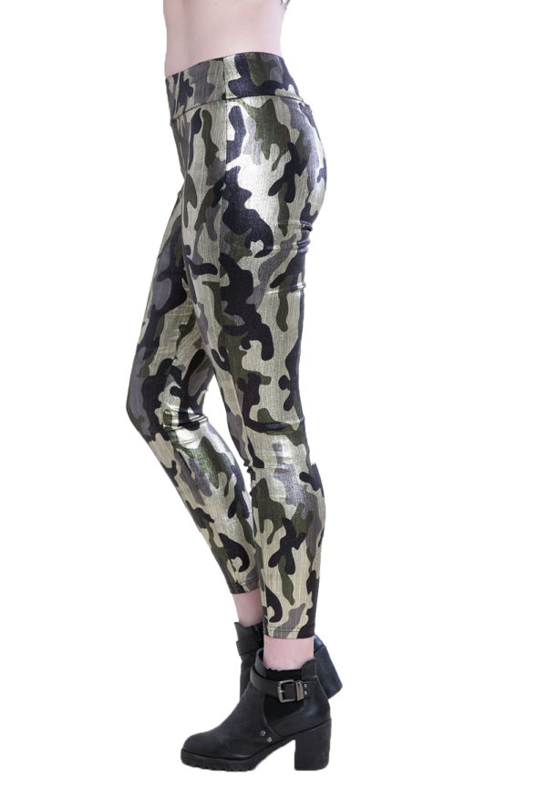 camouflage printed leggings- side