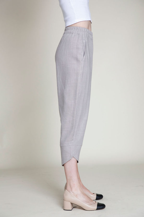 grey linen pants- side