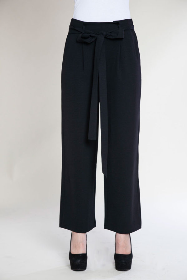 black paperbag waist pants- front