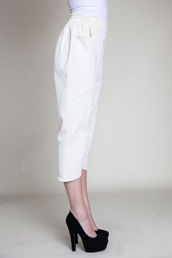 khaki cropped pants- side