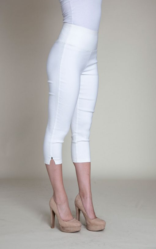 white cropped pants- side