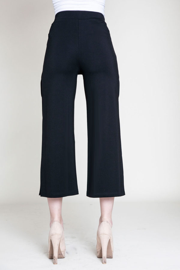 snap side black cropped pants- back