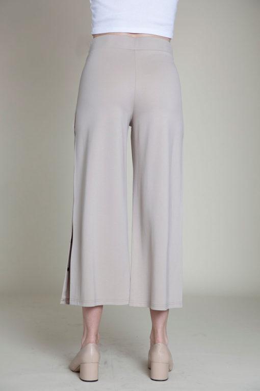 snap side khaki cropped pants- back