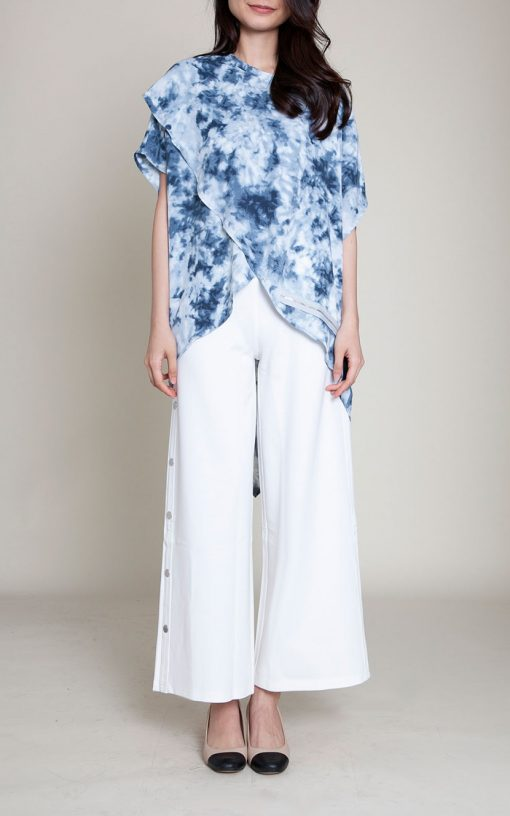 printed blue top- front
