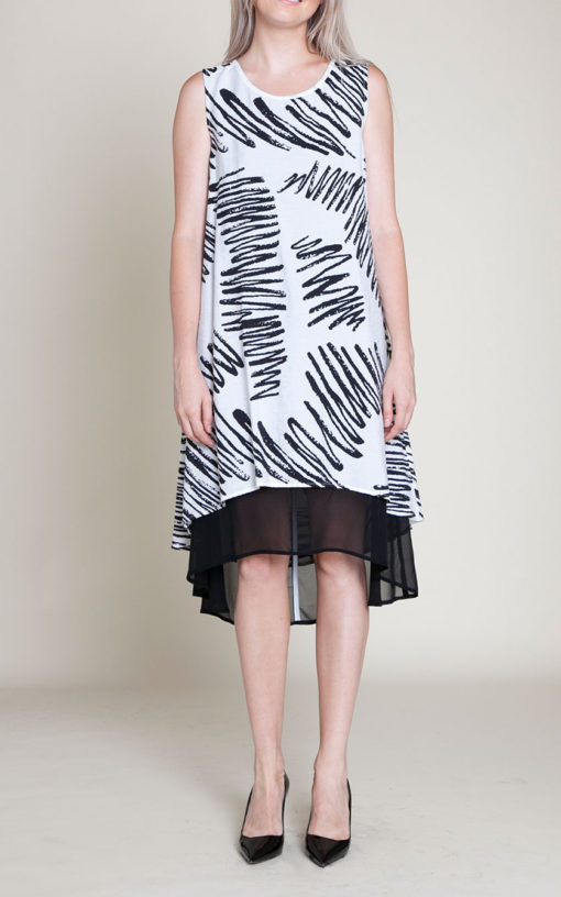 BLACK AND WHITE PRINTED SLEEVELESS DRESS- FRONT