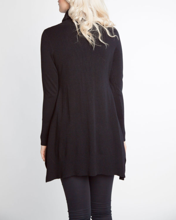 black OSFA knit turtleneck sweater- back